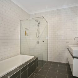 luxury bathroom renovations in brisbane
